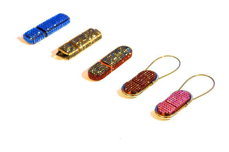 MJ - USB Flash Drive Swarovski Limited Edition - 20 sizes of stones, 50 shade colors.