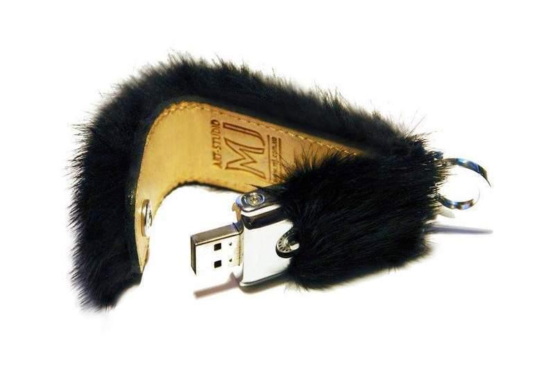 Эксклюзивный ноутбук в коже питона и золотым логотипом Здоровье.  Фирменный портфель и чехол для лэптопа и мышки.