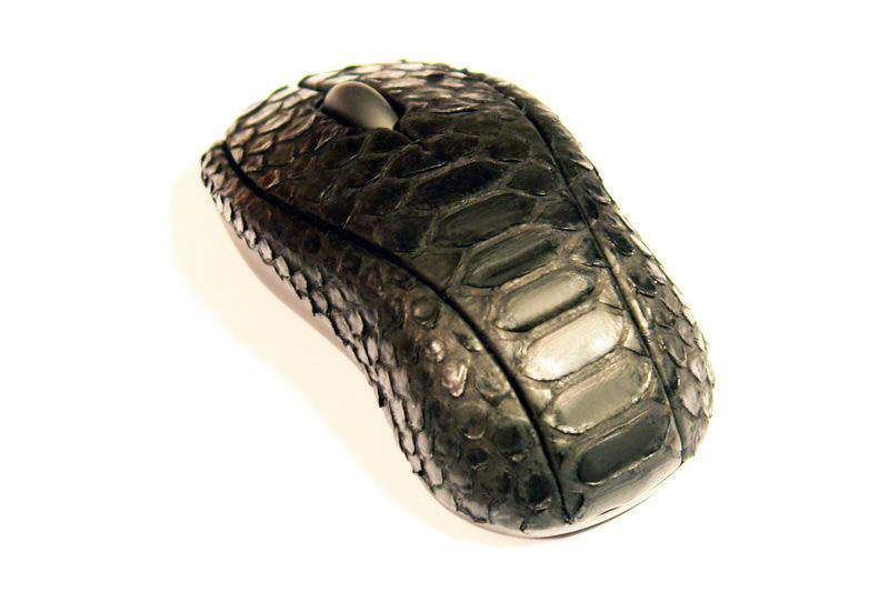 MJ - Mouse Single Copy Genuine Leather Snake - Case from Carbon & Black African King Cobra Skin